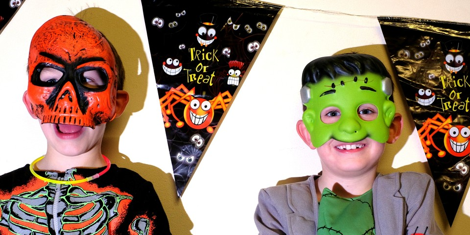 http://35th-plymouth-whitleigh-scout-group.org.uk/wp-content/uploads/2016/11/beavers-halloween-party.jpg